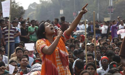 A Shahbagh Protester Demands the Death Penalty For All War Criminals. Image Credit: Daily Star