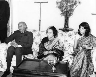 The Mingling of Dynasties: Indira Gandhi With Pakistan's Bhuttos. Image Credit: Flickr